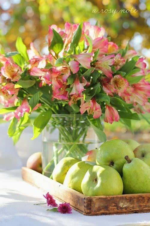 Astromélia rosa para decorar a mesa de jantar