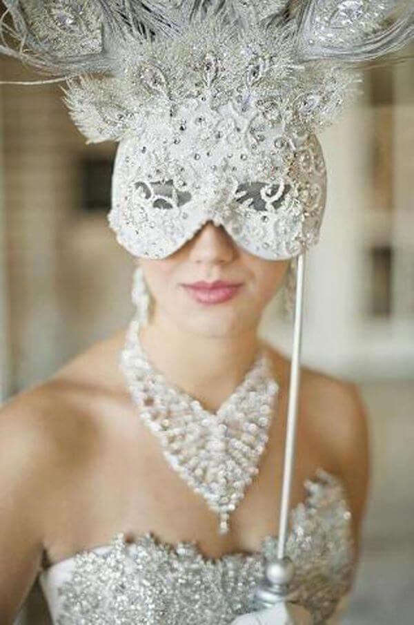 Máscara de baile extravagante
