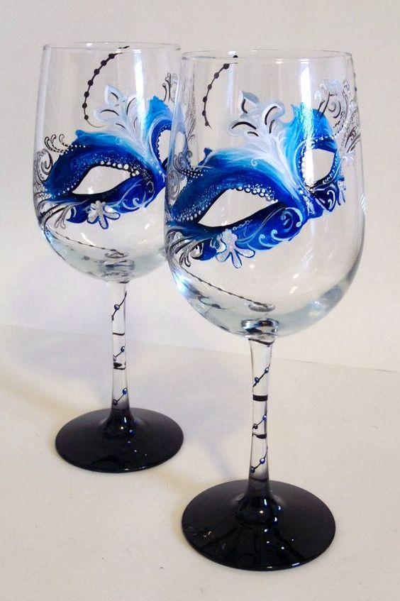 Taça personalizada com máscaras azuis lindas