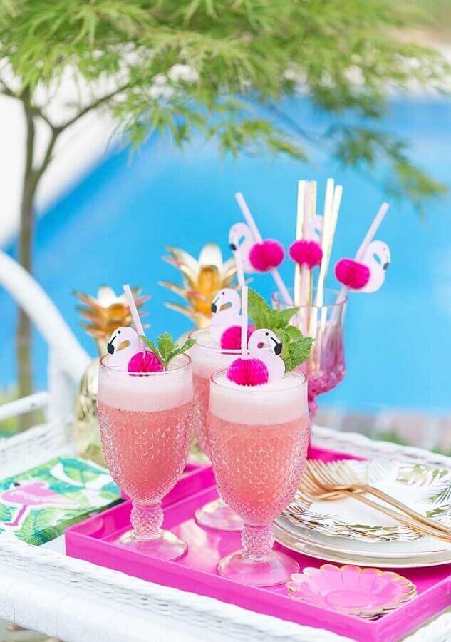 bebidas decoradas para festa flamingo tropical Foto A Minha Festinha