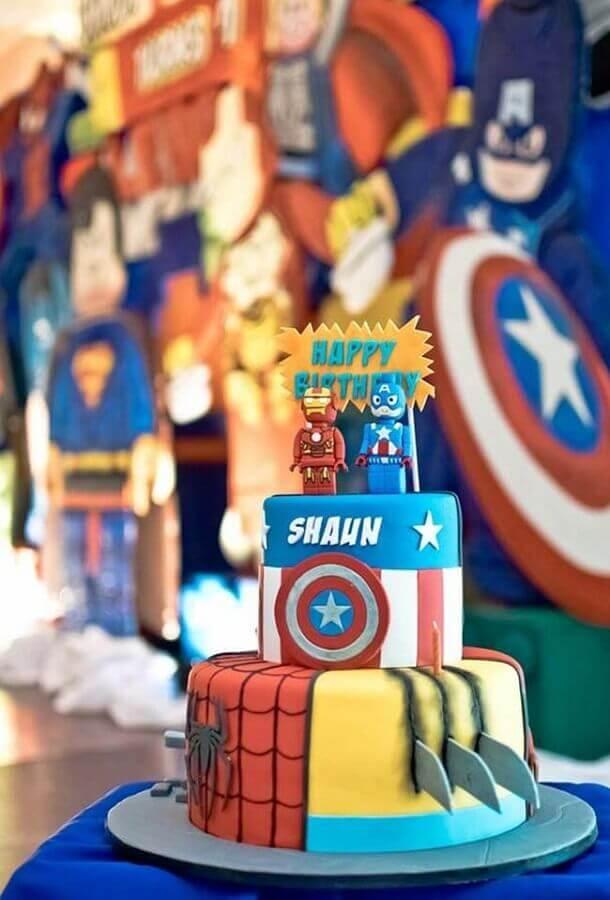 cake for avengers birthday party Foto Pinterest