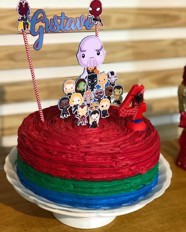 simple avengers party cake Foto Mimos da Flora Atelier