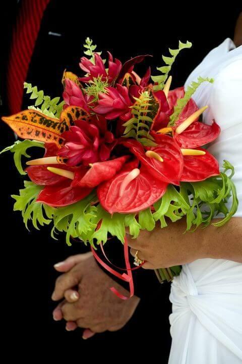 Buquê de flores vermelhas de antúrio