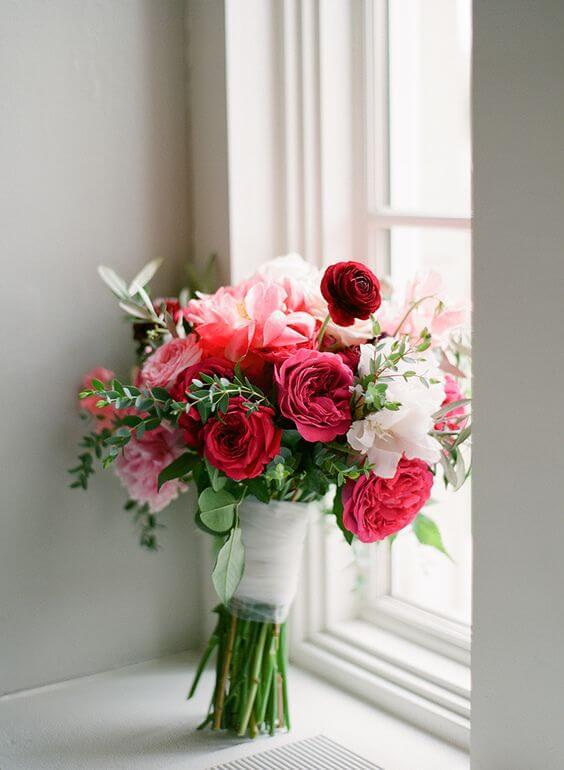 Buquê de flores vermelhas para casamento
