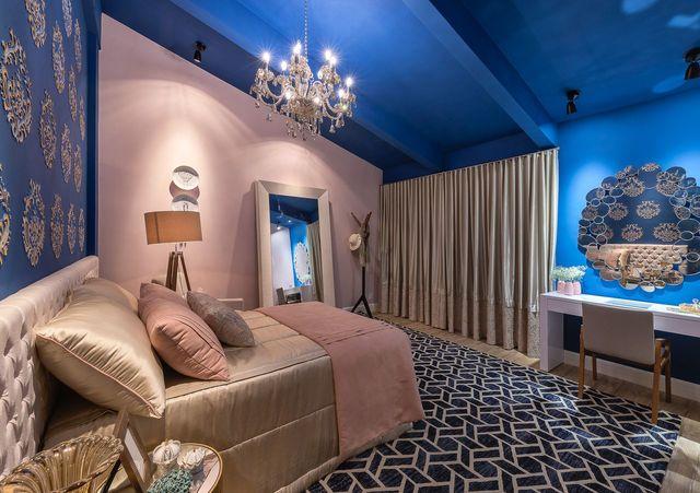 cabeceira - quarto rosa e azul clássico com penteadeira