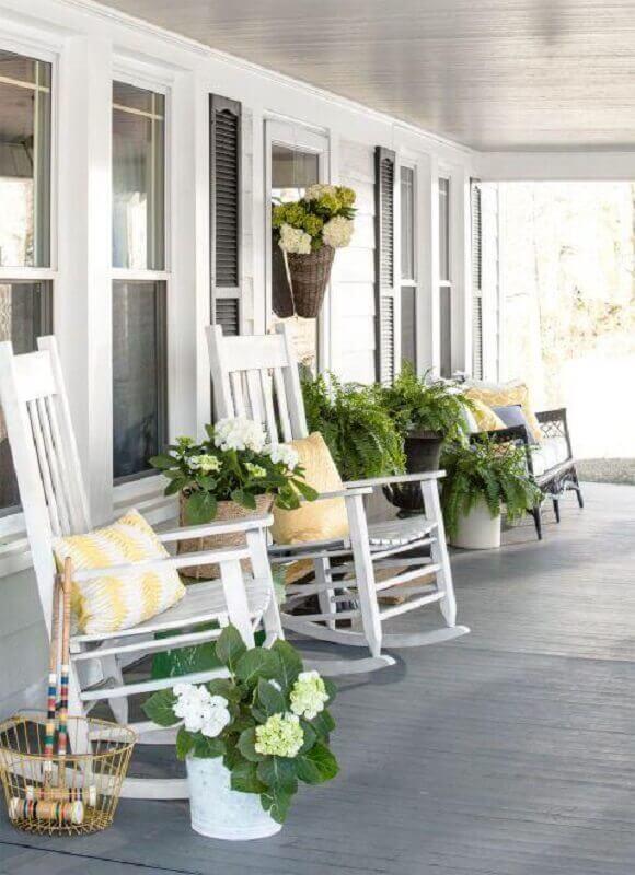 cadeira de balanço para varanda Foto CoachDecor