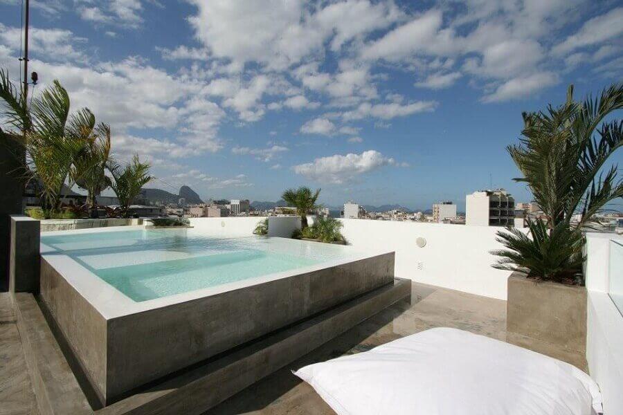 casa com piscina de concreto concreto