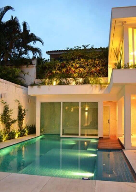 casa em l com piscina pequena Foto Webcomunica