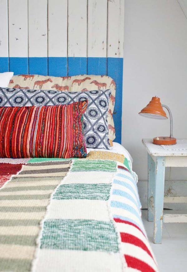 Colcha de crochê casal em vermelho, azul e branco