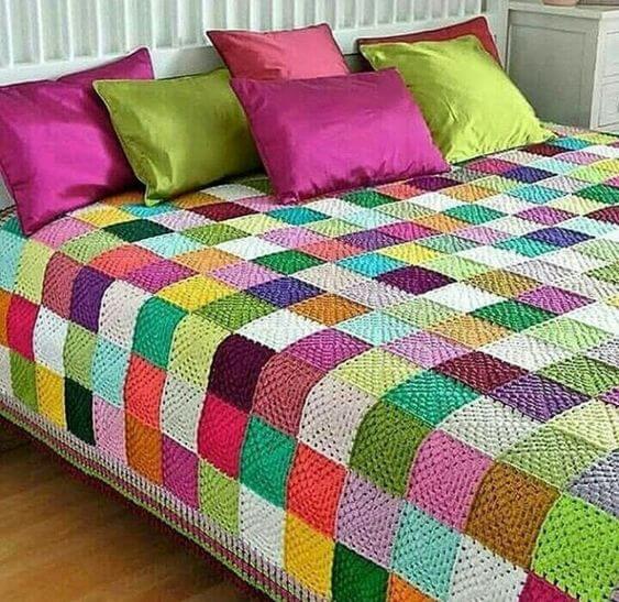 Colcha colorida para quarto moderno