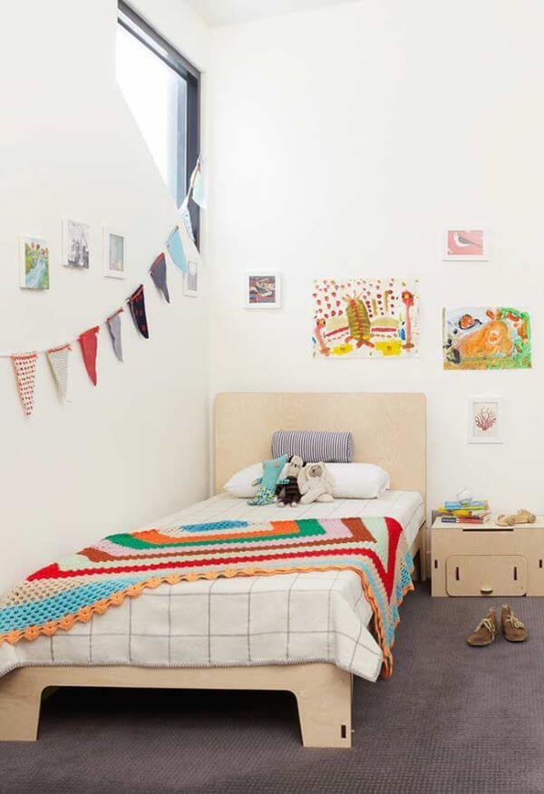 Colcha de crochê solteiro e colorida