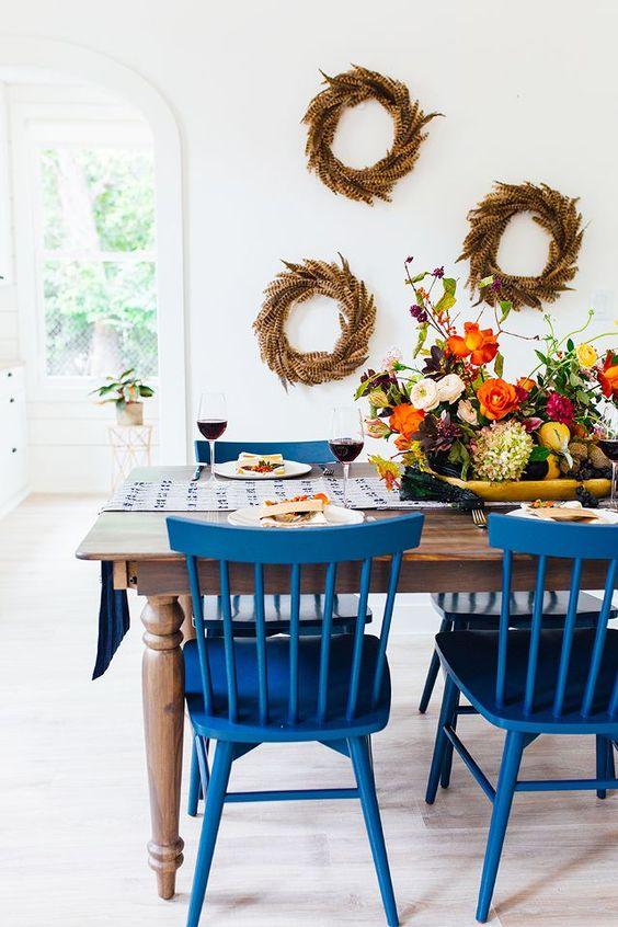 Cor do ano classic blue nas cadeiras