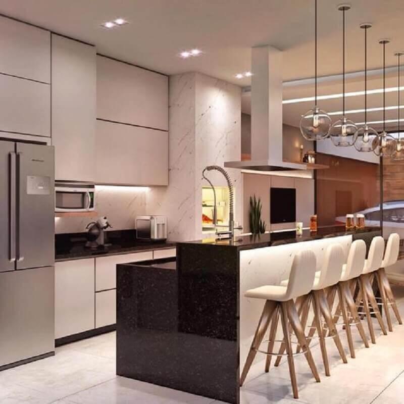 cozinha com banquetas modernas com encosto Foto Dicas Decor