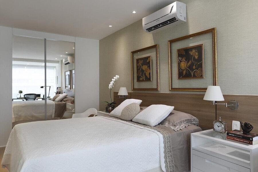 decoração clássica com kit de quadros para quarto de casal Foto RBP Arquitetura e Interiores