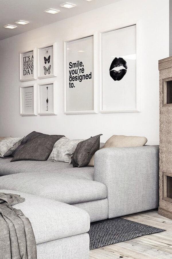 decoração clean para sala de estar com quadros decorativos preto e branco Foto Pinterest