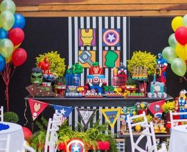 decoração colorida para festa infantil dos vingadores  Foto Why Santa Claus