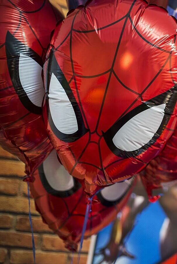 Avengers party decoration with spider man balloon Photo Kara's Party Ideas