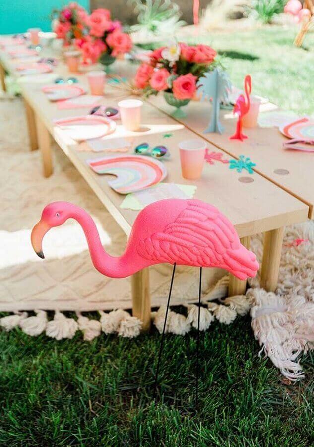 decoração de festa flamingo ao ar livre Foto PartyBox