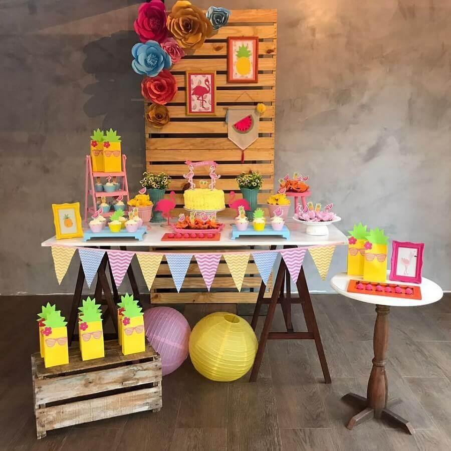simple flamingo party decoration Photo Gisella Alves