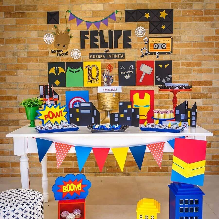 decoration simple avengers party Photo Luciana Costa