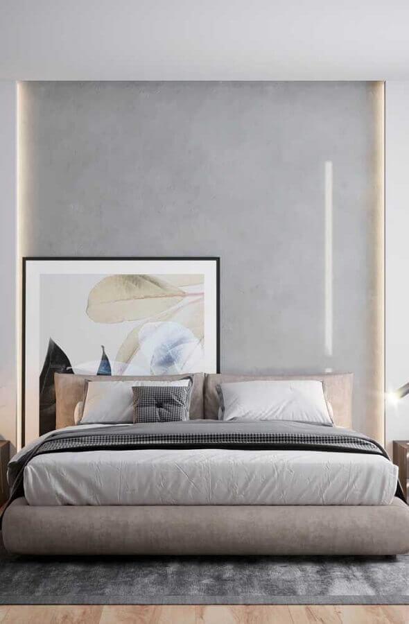 decoração moderna para quarto de casal com quadro grande apoiado no chão Foto Assetproject