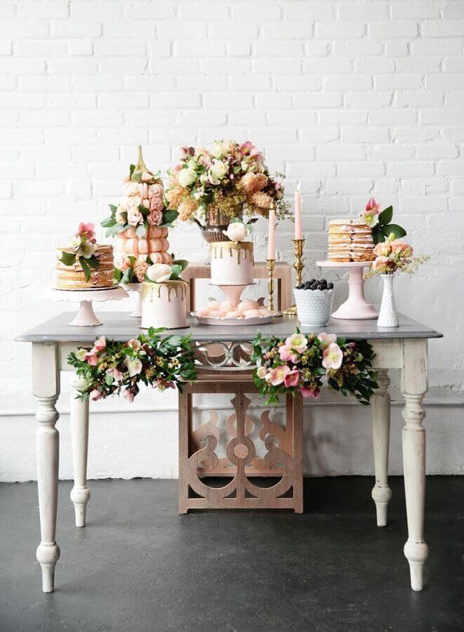 decoração para aniversário de casamento romântico em rosa e dourado Foto Pesona Pengantin
