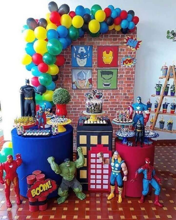 decoration for avengers children's party Foto Pinosy