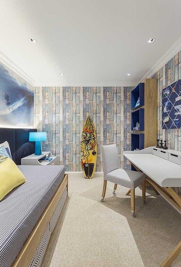 decoração quarto juvenil masculino com papel de parede e prancha de surf Foto Decor Ideas