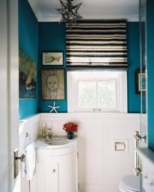 decoração simples com pia de canto para banheiro pequeno Foto Houzz