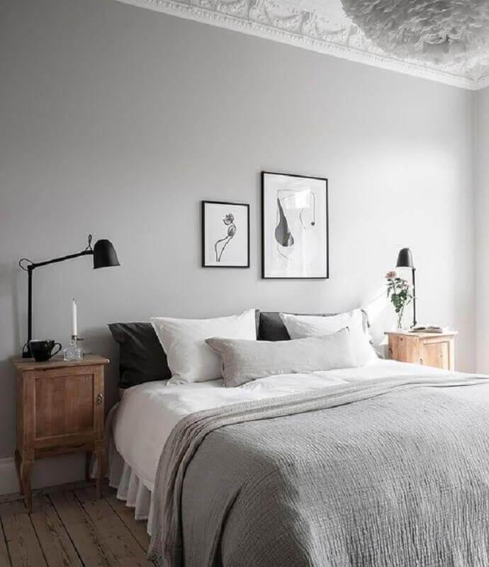 decoração simples com quadros para cabeceira de quarto de casal Foto Women Shopping