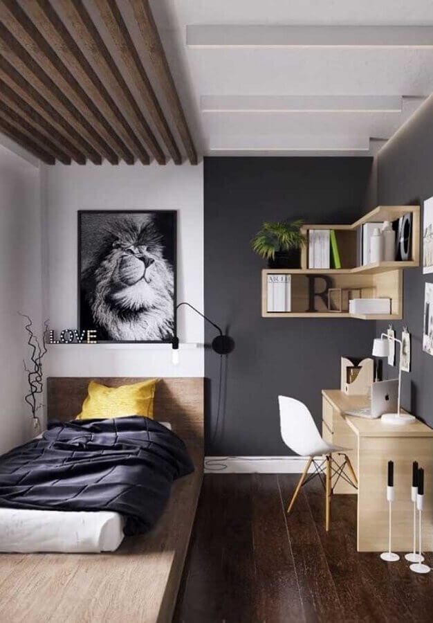 decoração simples para quarto juvenil masculino com parede cinza e nicho de madeira Foto Pinterest