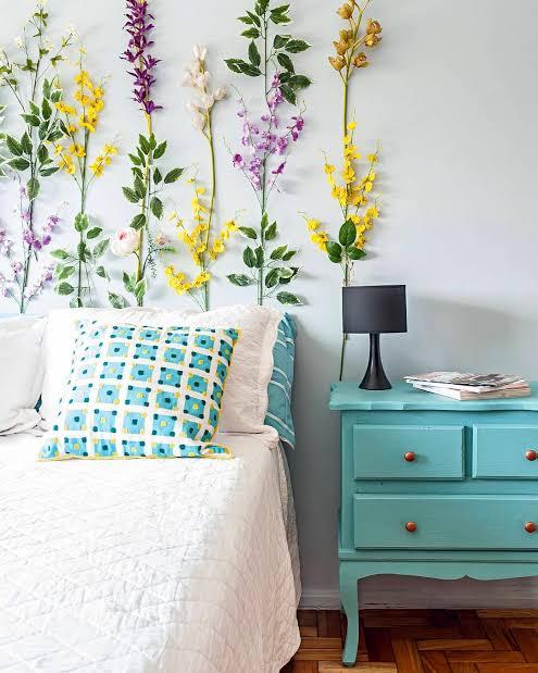 Decoração de quarto com móveis retrô