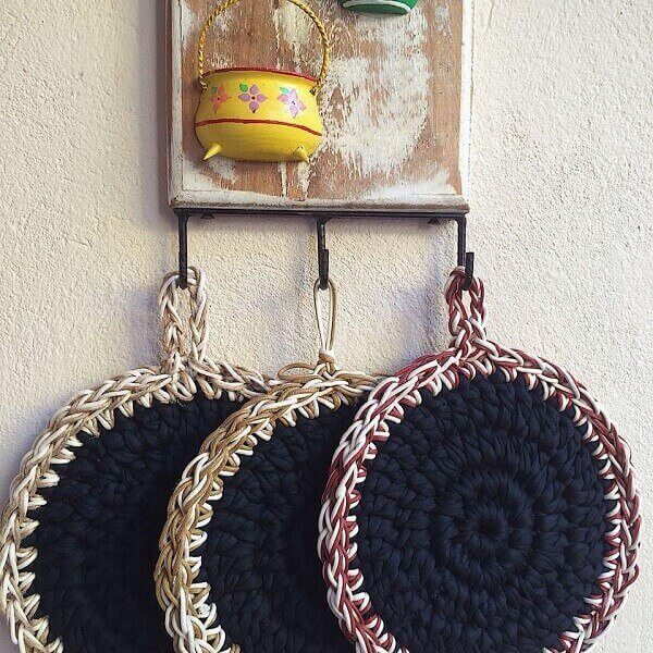 Crochet pot rests