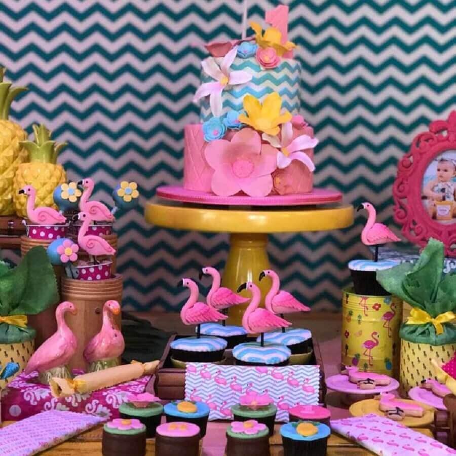 detalhes para mesa de festa tema flamingo decorada Foto Lucia Dias Machado