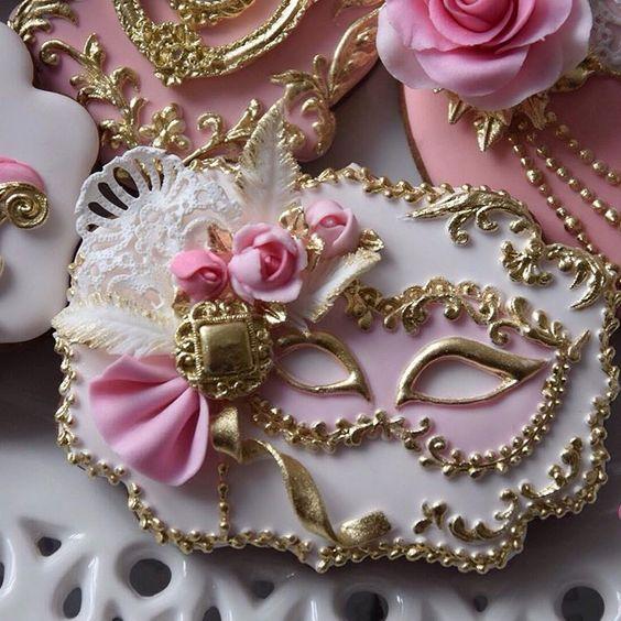 Doces para aniversário com tema baile de máscaras