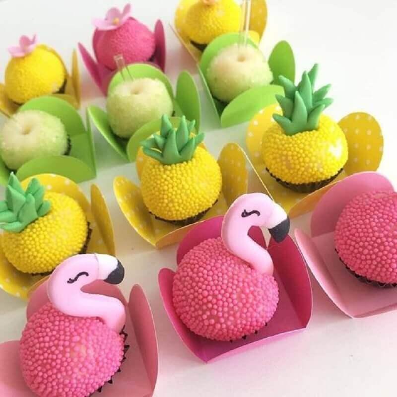 docinhos decorados para festa flamingo e abacaxi Foto Inspire sua Festa e Maternidade