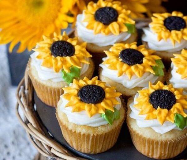 Decore os cupcakes da festa tema girassol de forma especial