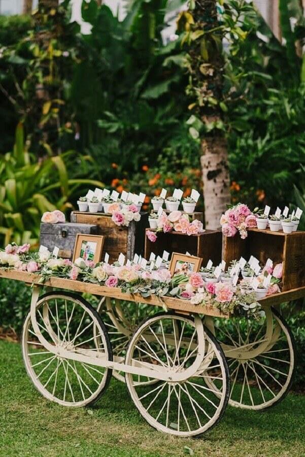 festa de aniversário de casamento ao ar livre Foto Ruffled Blog