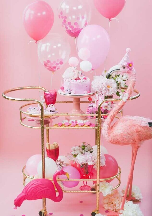 Flamingo party with pink decoration Foto Pinterest