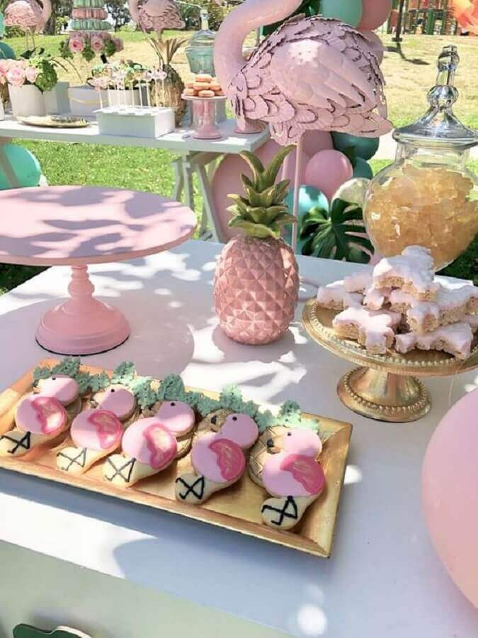 flamingo and pineapple party with light pink decoration Photo Catch My Party