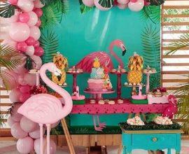 festa flamingo simples decorada com balões cor de rosa  Foto Pinterest