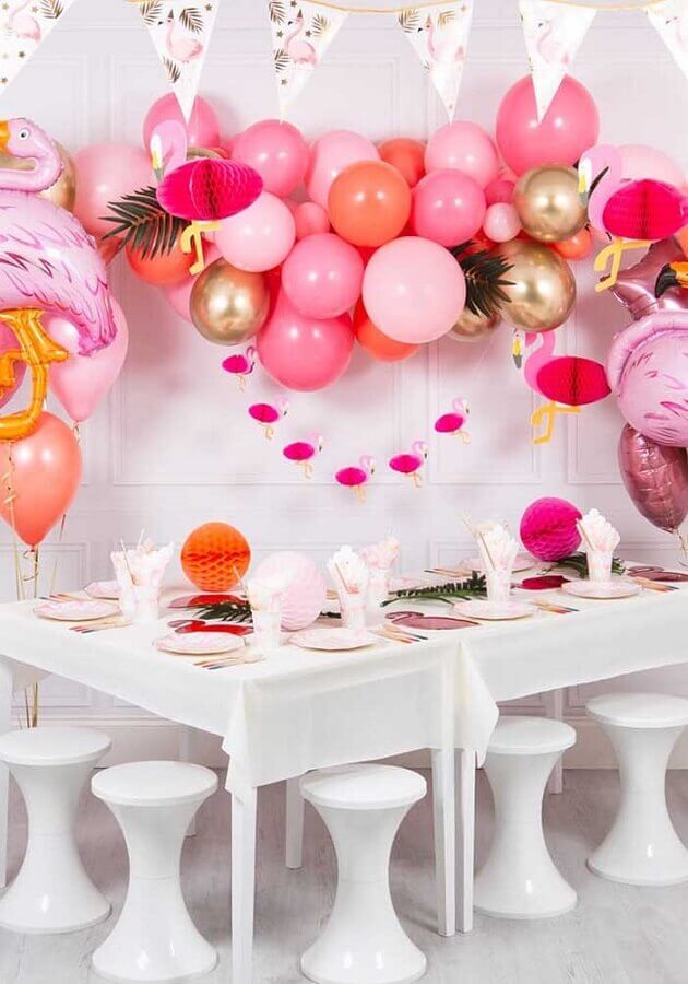 flamingo theme party decorated with several balloons Photo Pinterest