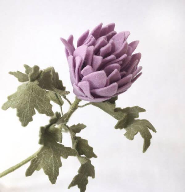 Flor de feltro lilás