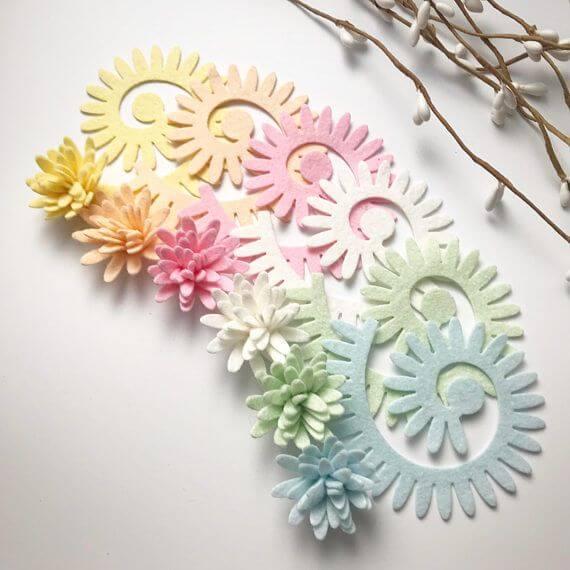 Aprenda como fazer uma linda flor de feltro