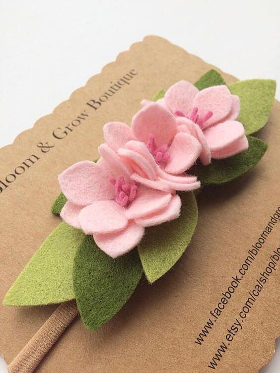 Flor de feltro rosa