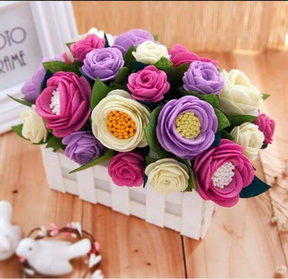Flores de feltro para decoração de casa