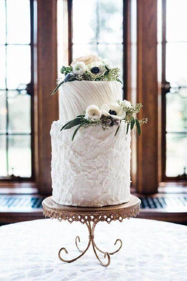 ideia de bolo de aniversário de casamento decorado com flores Foto Opulent Treasures