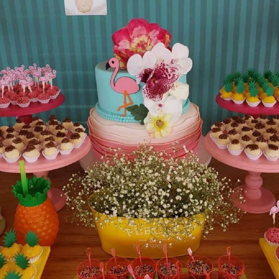 idea of decorated candy for flamingo birthday party Photo Nathália Campos