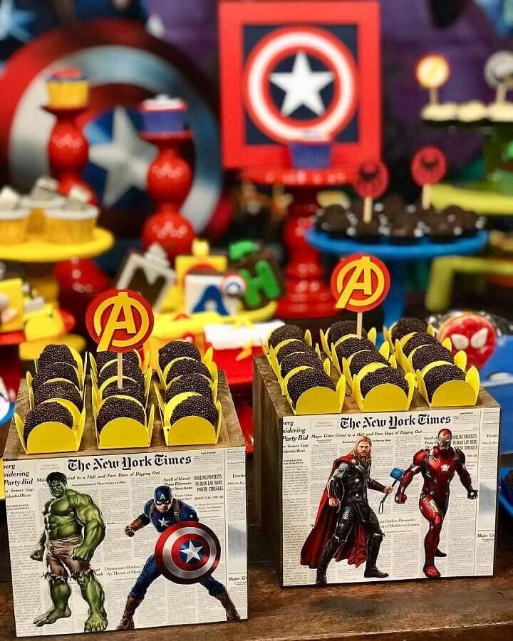 idea for decoration of avengers children's party Photo Chris Kessler