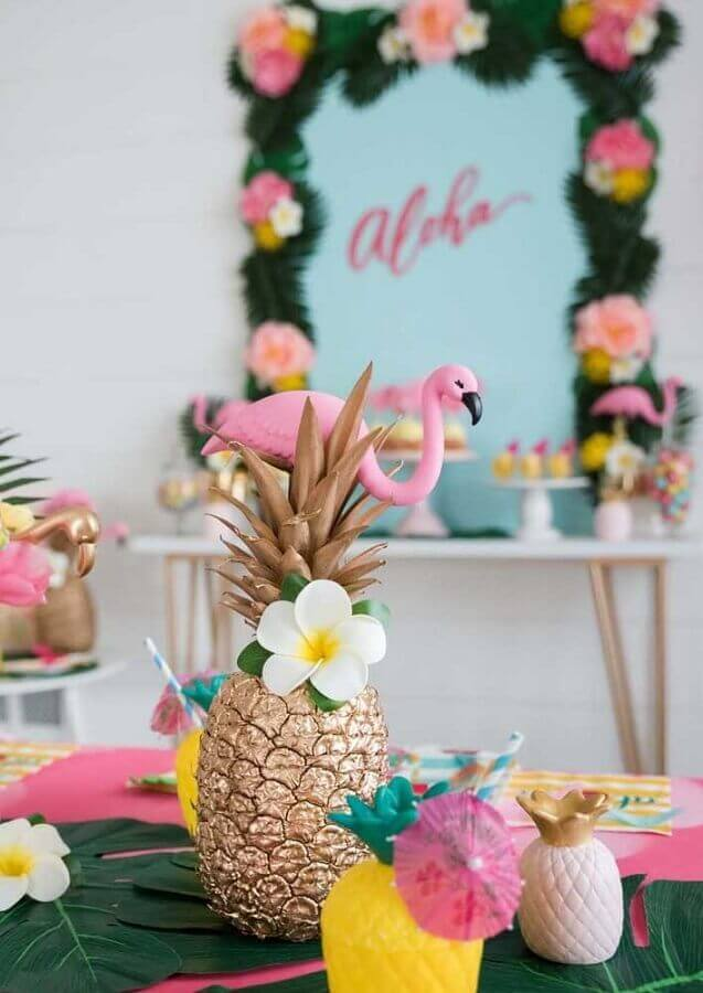 ideas for flamingo and pineapple party Photo Pra Gente Girl Creations